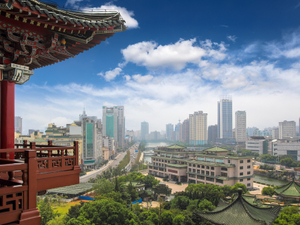 Smaller China insurers to join outsourcing party