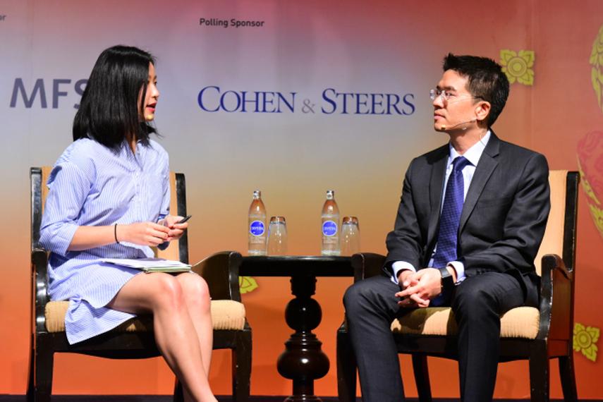 Jaycee Man of AsianInvestor and Thananchai Sajjaporamest of Muang Thai Life