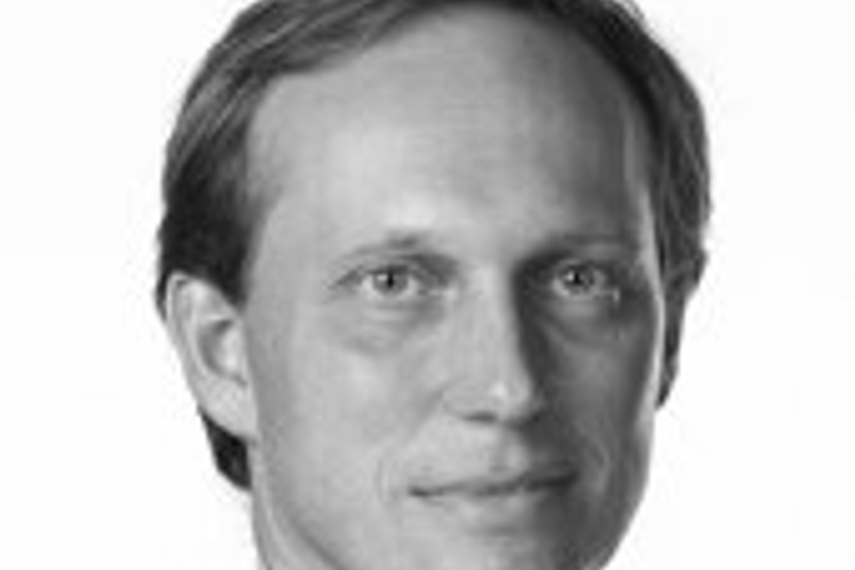 EY's Jeroen Buwalda says digital natives vastly prefer an online interface for making spending decisions