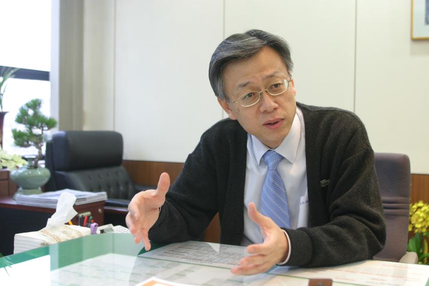 Lee Seong-Dong