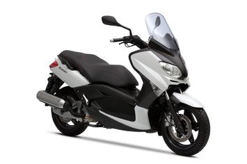 Booking Yamaha X Max Cukup Bayar Rp 300 Ribu