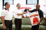 PT Astra International Tbk Membagikan 1.500 Pasang Sepatu dan 250 Tas
