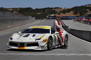 Aktor Michael Fassbender Ikut Balap Ferrari