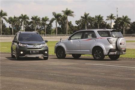 Komparasi Panas Honda BR-V Melawan Toyota Rush TRD