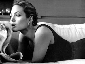 Angelina Jolie signs as US$10m face of Louis Vuitton