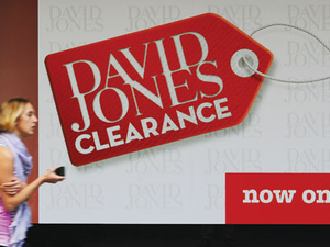 David Jones in battle to stay afloat