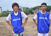 Allianz and FC Bayern München host Bali football camp for teens