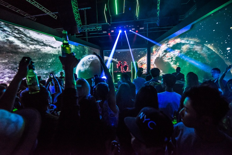 Heineken energises dance fans with sci-fi themed party