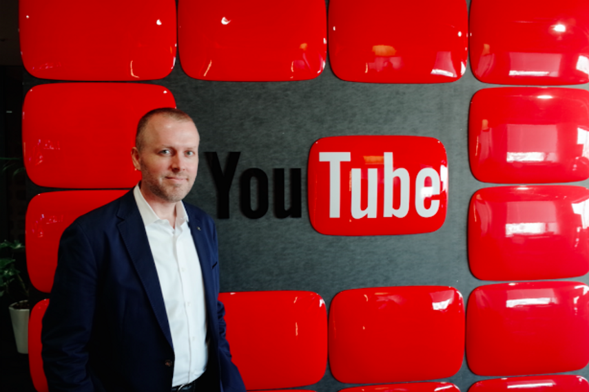 David Powell at the YouTube studio in Tokyo