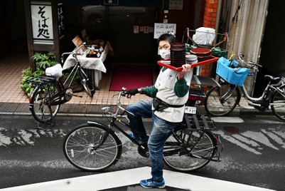 Food delivery brands in Asia stay nimble amid lockdowns