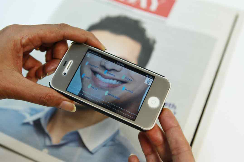 Sensodyne uses the AR technology to tell its benefits