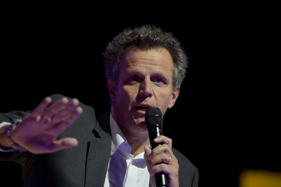 Publicis shares fall sharply after creative agencies slump