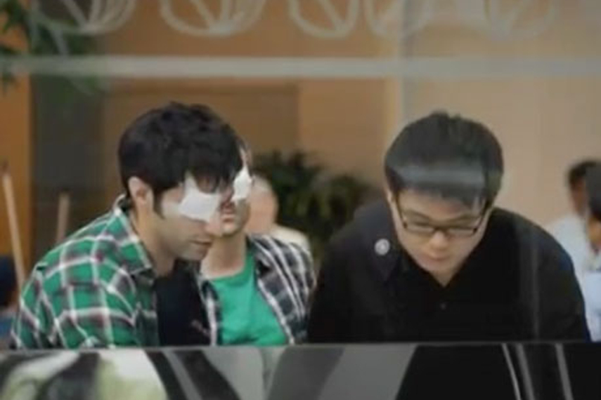 SINGAPORE - Y&R Singapore has unveiled the latest TVC for Cerebos Brand's Essence of Chicken, using ideas from Singapore Management University (SMU) students to illustrate the level of alertness in people's daily lives.