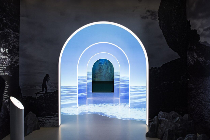 La Mer transports visitors into ethereal underwater experience