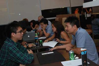 Singapore Portfolio Night 9 'speed-dating' set-up a success