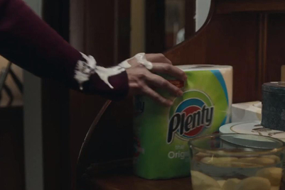 Merry Xmess: Watch this brilliantly disgusting holiday paper towel ad