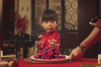 Oreo transmutes red-velvet variety into a CNY treat