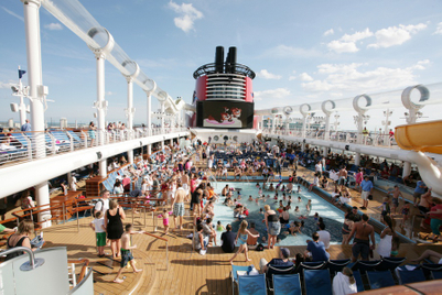 Survey finds most cruise ship injuries are alcohol-related