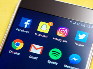 Shopify integrates Facebook and Snapchat ad tools