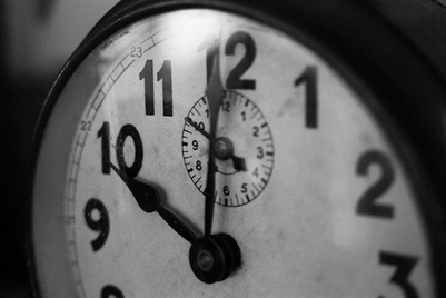 Marketers should wait 30 days before trying to make a mark