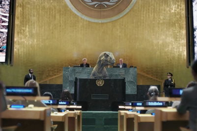 """恐龙在联合国发表演讲:""""不要选择灭绝"""""""
