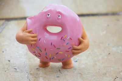 杨丞琳在益达口香糖广告中甩掉甜甜圈的