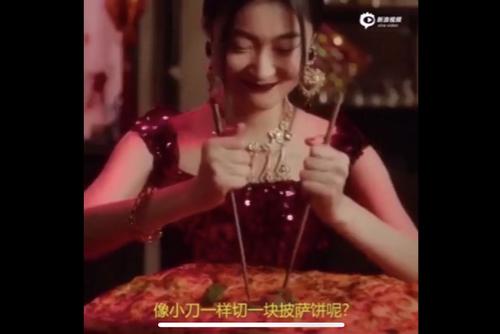 """央视回应D&G的筷子""""创意""""同时,且听背后公益广告创意人的解读"""