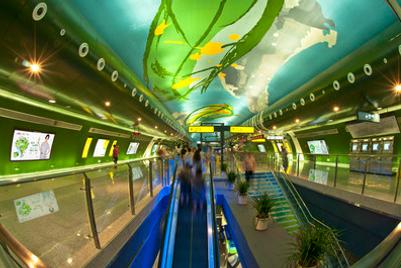 德高贝登获重庆轨道交通户外广告平台为期15年的经营权