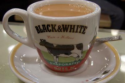 FrieslandCampina在黑白淡奶品牌活动中融入UGC创作元素