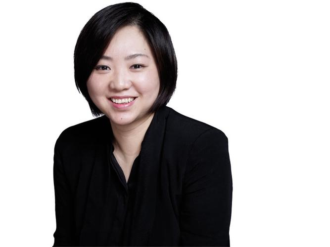 "Rachel Zhu:M&C Saatchi AEIOU业务总监<br /><br /> 作为M&C Saatchi China业务总监,Zhu在2013年公司新客户的扩展上居功至伟,包括拿下大客户联合利华的多单业务。2012年11月,她牵头提议和协商,签下Win Celebrity Management合同;2013年8月,她还为公司赢得第一个数字广告项目(联合利华)。她积极推动许多""功能性""产品和品牌与中国消费者建立密切的情感联系,比如美国Valspar公司旗下的华润涂料、联合利华旗下的中华牙膏。M&C Saatchi AEIOU董事总经理兼大中华区合伙人刘新海(Michael Liu)评价说,Zhu总是以卓越的表现超越客户和他的期望,不懈努力地提升公司的服务水准。"