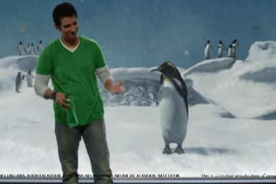 7UP gets Sharman Joshi to 'shake a leg' with a penguin in new TVC