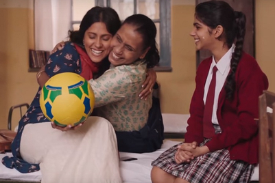 Amazon urges women to live their passions with #MomBeAGirlAgain