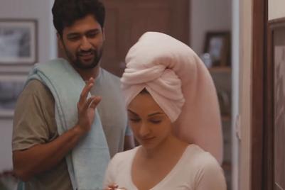 Housing.com gets Vicky Kaushal suspicious about Kiara Advani