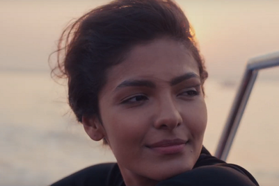 Parachute Advansed shows the love affair women have with their hair
