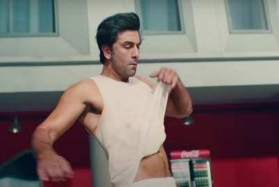 Ranbir Kapoor helps 'turn up the day' for group of Bharatnatyam dancers