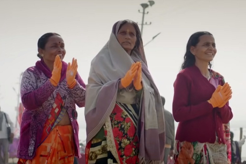 ICICI Lombard claps for women at the Kumbh Mela