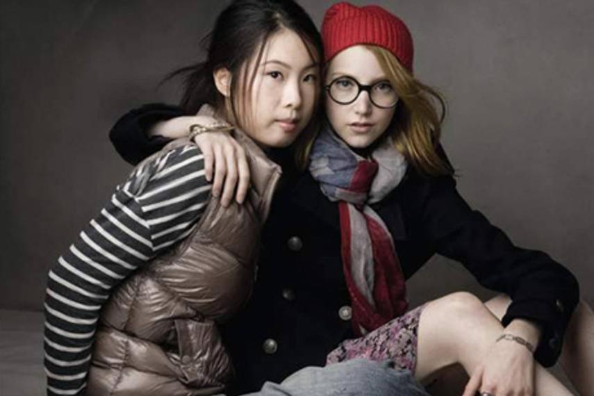 Gap中国首轮平面广告启用兔斯基作者王卯卯任模特