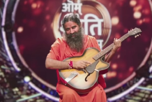 Blog: Arre baba re! Baba Ramdev rocks on 'Om Shanti Om'