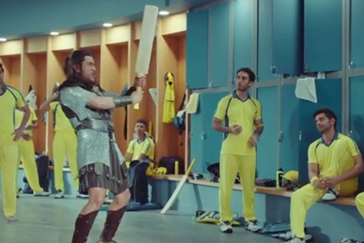 Dhoni's 'captain cool' avatar disrupted by hunger; Snickers steps in