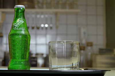 Sprite distinguishes the cool and the uncool through a talking bottle
