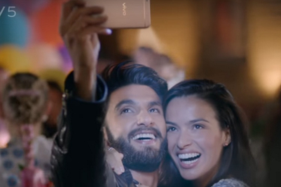 Vivo showcases camera, with a Ranveer romance