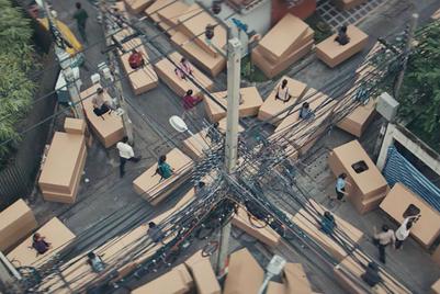 アジアの交通渋滞のひどさを痛快に描いた、ウーバーの新CM