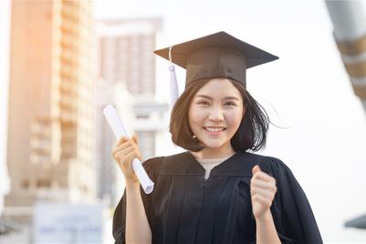マーケティングの学位は、広告会社で生き残るのに有利?