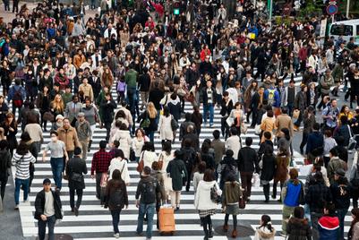日本の「知的層」の間で信頼度が上昇:エデルマン調査