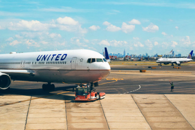 United Airlines puts global media, digital up for review