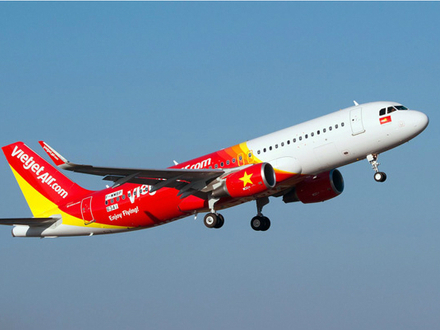 Vietjet launches daily Singapore-Hanoi flights