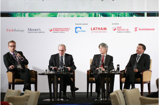 Mark Austin, ASIFMA introduces the local currency panelists. [l-r] Thierry de Longuemar, ADB, Kiyoshi Nishimura CGIF and Jayant Parande, Olam