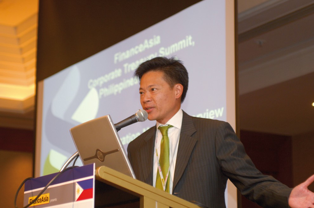 Warren Lee, Standard Chartered Bank