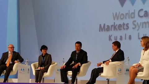 Asian regulators seek fintech balance