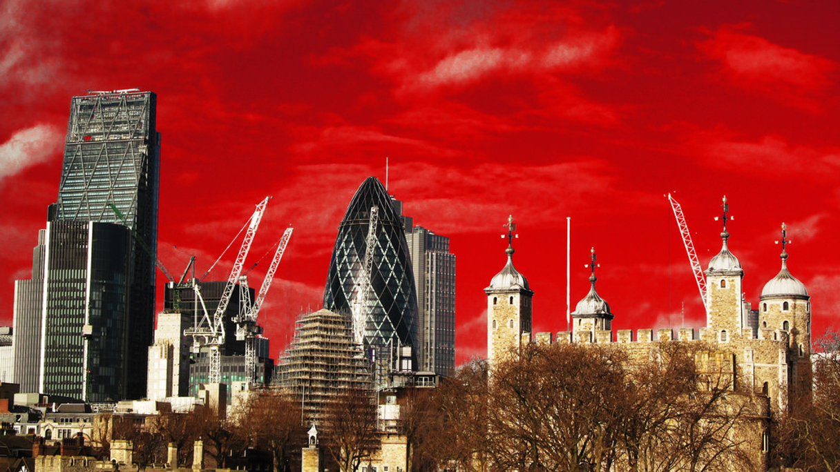 Red skies at night: London's delight